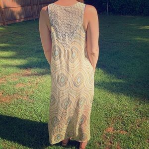 Maxi lightweight patterned dress with knitted back